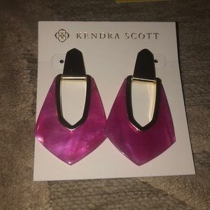 NWT🌷KENDRA SCOTT🌷Kensley azalea illusion & gold